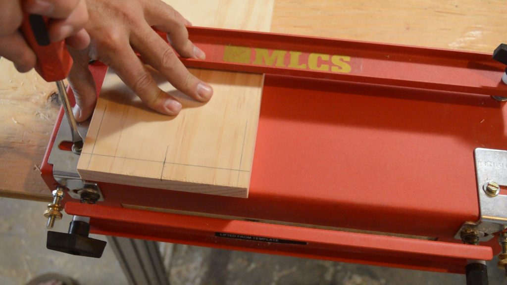 Securing a MLCS Dovetail Jig bracket.